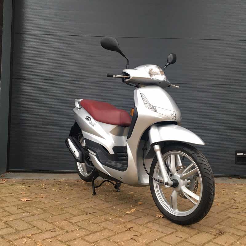 Peugeot-Tweet-Snorscooter-Voorkant